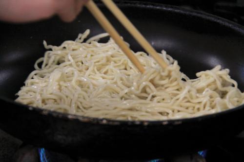 こだわりの自家製麺「いわしろ焼きそば」03