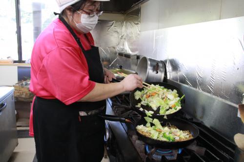 こだわりの自家製麺「いわしろ焼きそば」04