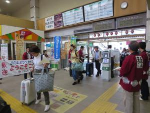二本松駅改札前の様子