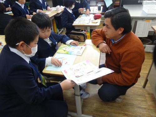 外国人英語講師による授業風景1