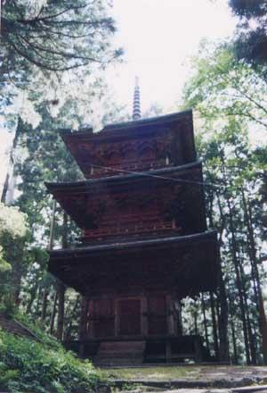 隠津島神社三重塔