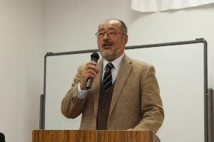 講師の羽賀友信さんの写真