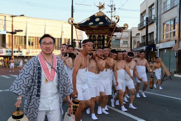 提灯祭り(本祭り)神輿渡御その2