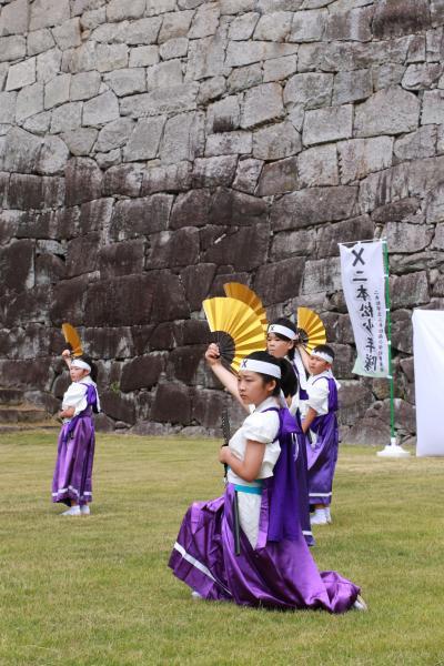 顕彰祭剣舞4