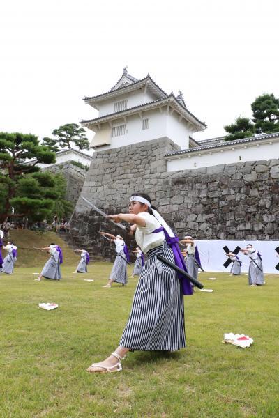 顕彰祭剣舞5