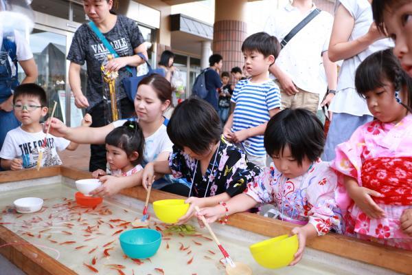 智恵子の里安達夏祭り 金魚すくい2