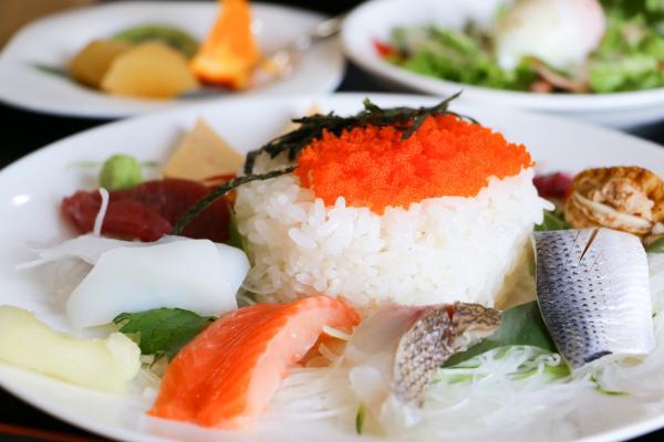 すし伝(ちらし寿司ランチ)
