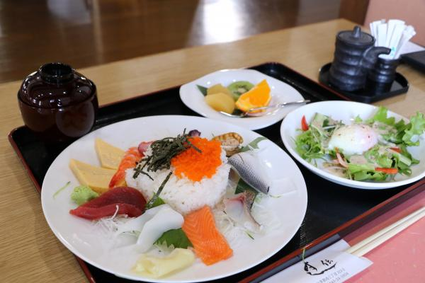 すし伝(ちらし寿司ランチ・セット)