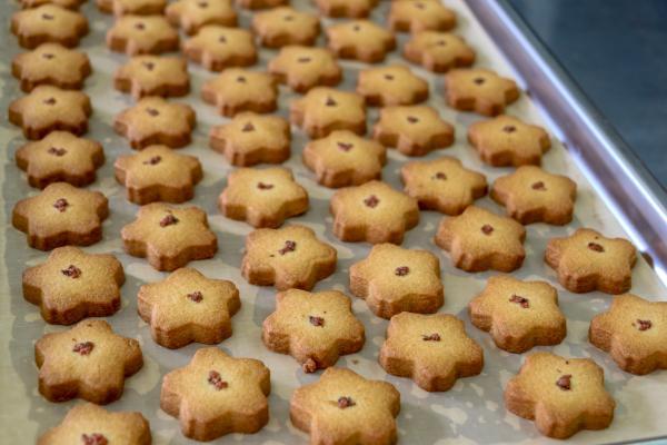 そばクッキー(焼き上がり)