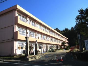 09 大平小校舎